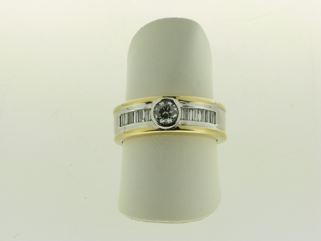 Occasion gouden ring met diamant