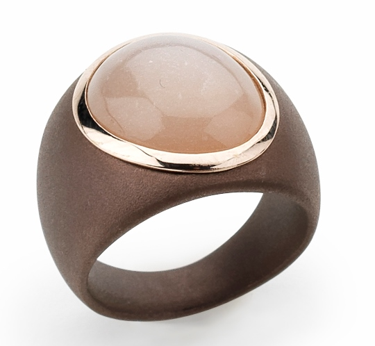 Orotech ring met bruin keramiek en edelsteen