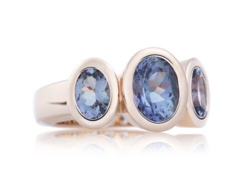 Gouden ring uit de Bron sieraden collectie